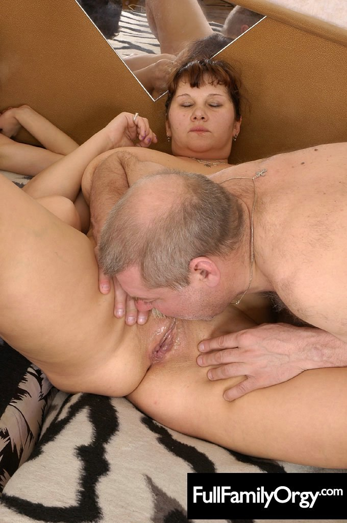 check out this crazy cumshot