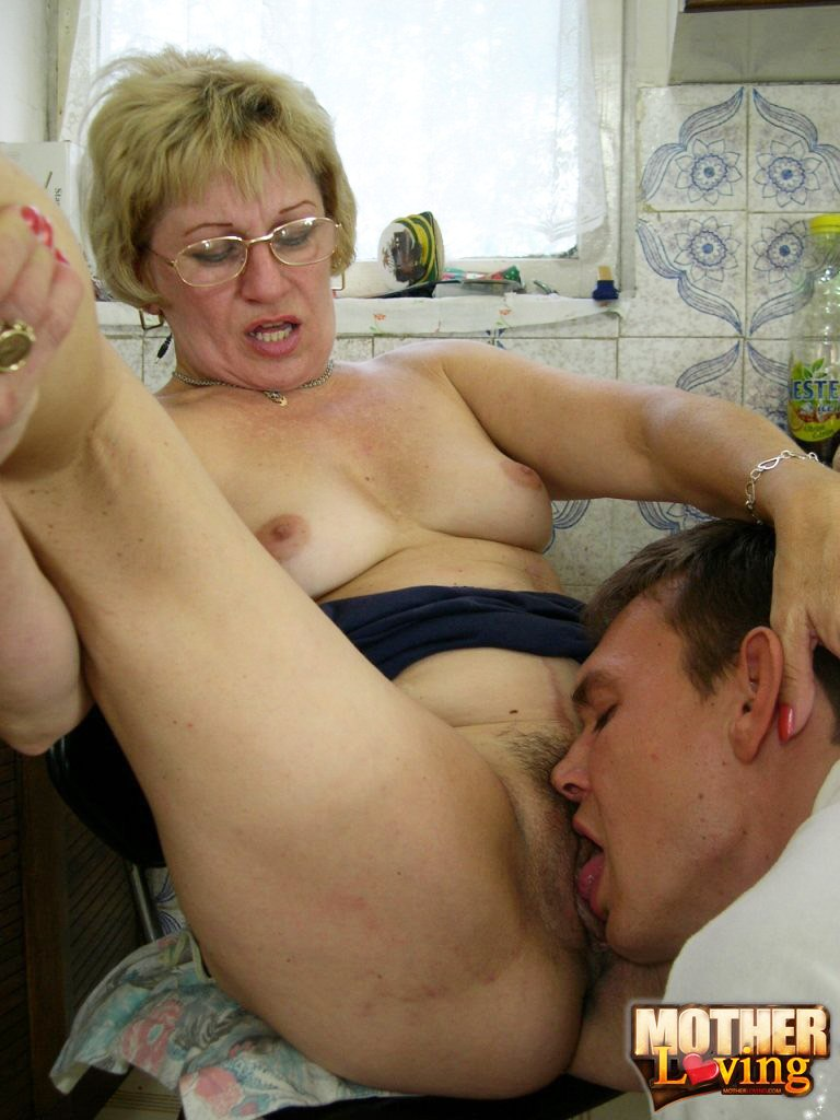 Taking Nude Photos Mom And Sister - Only Best Incest ...